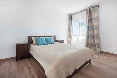 Отремонтированная просторная квартира в пригороде Барселоны